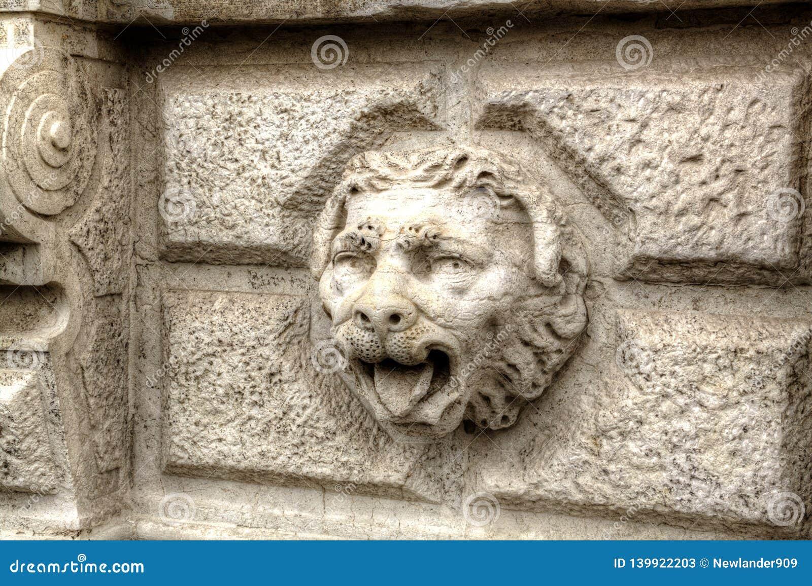 Лев декоративного главного камня venetaian