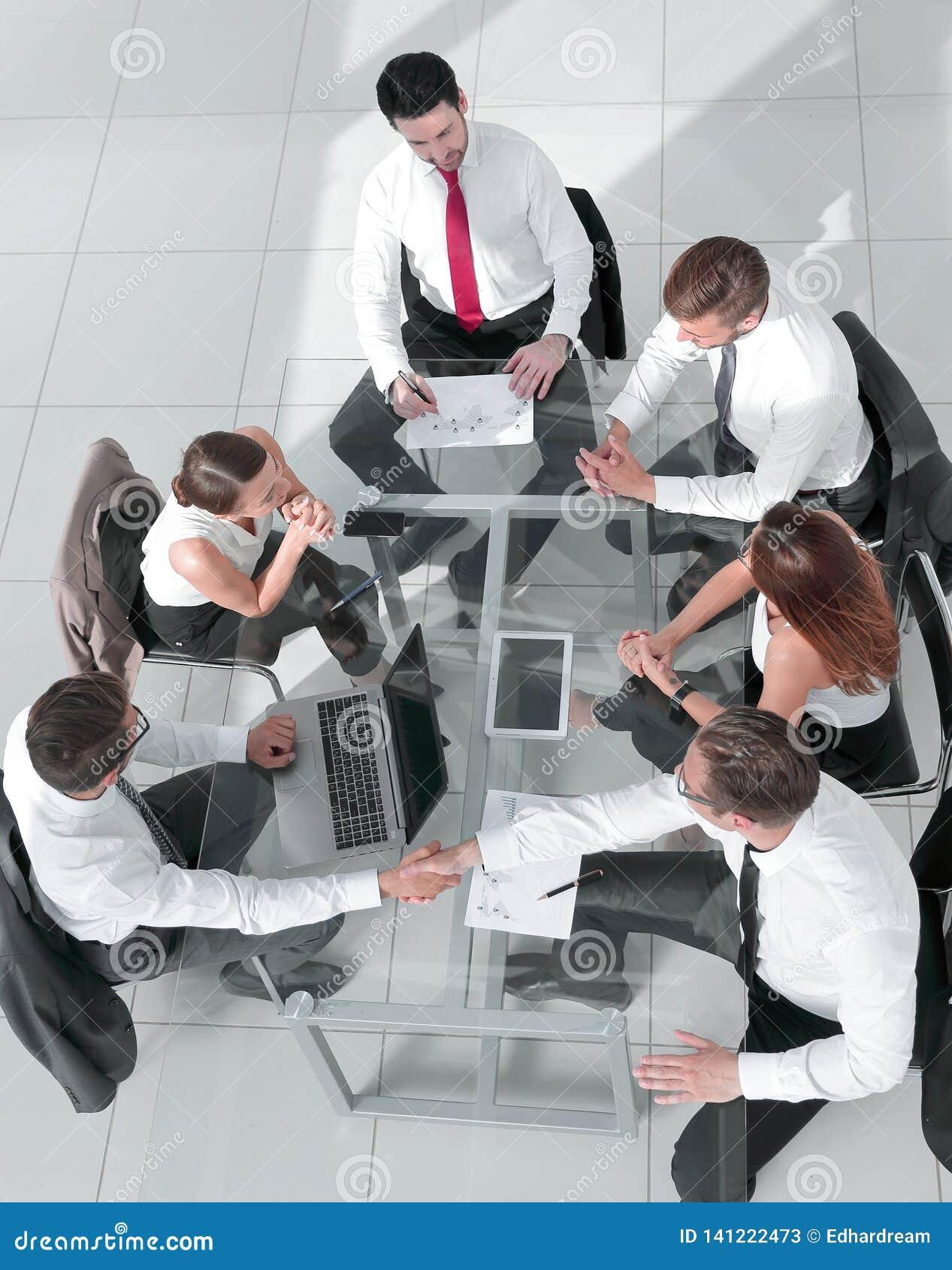 люди встречи бизнес-группы