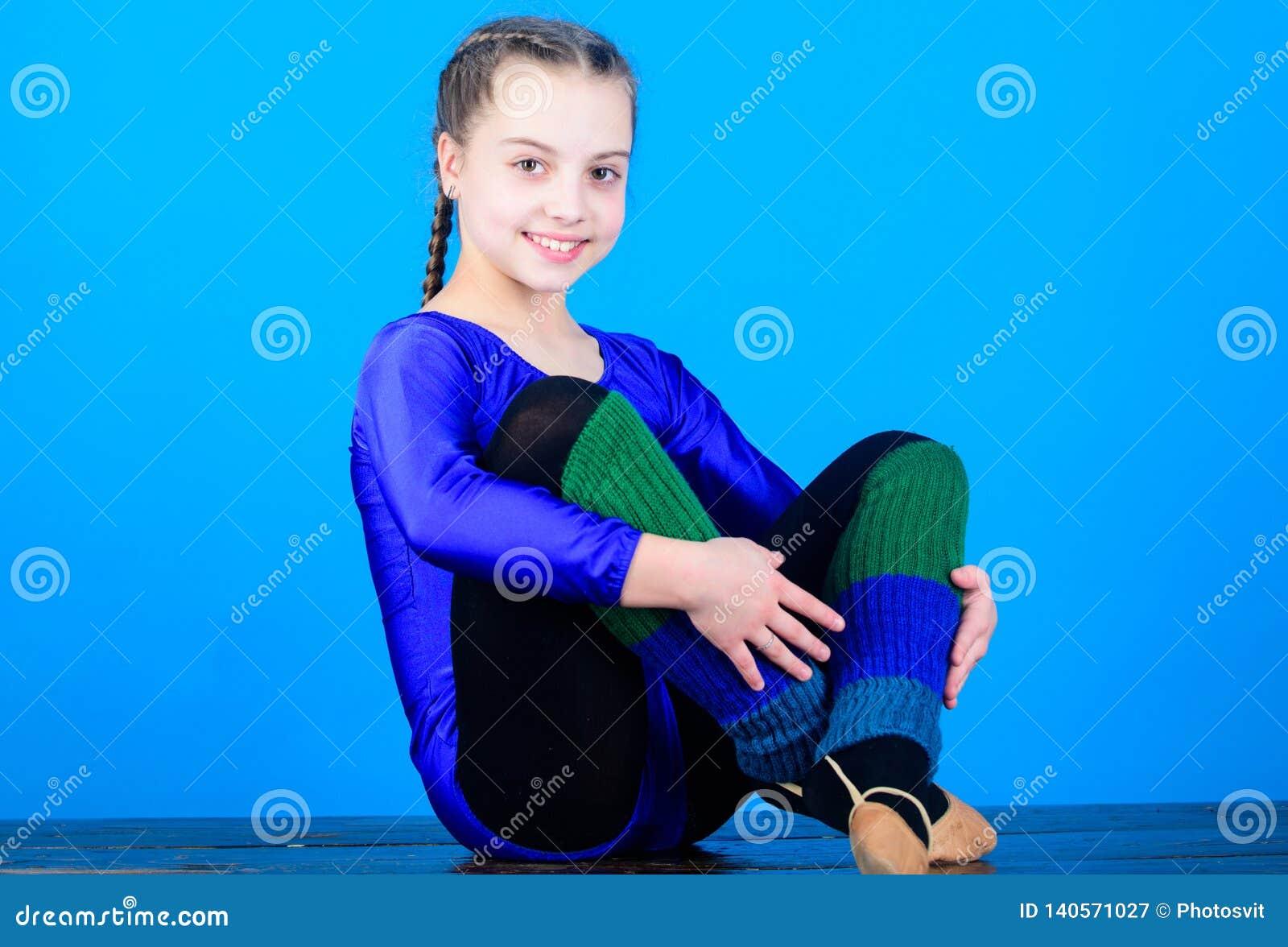 Минута, который нужно ослабить Трико спорт гимнаста девушки маленькое Физкультура и гимнастика тело гибкое звукомерно
