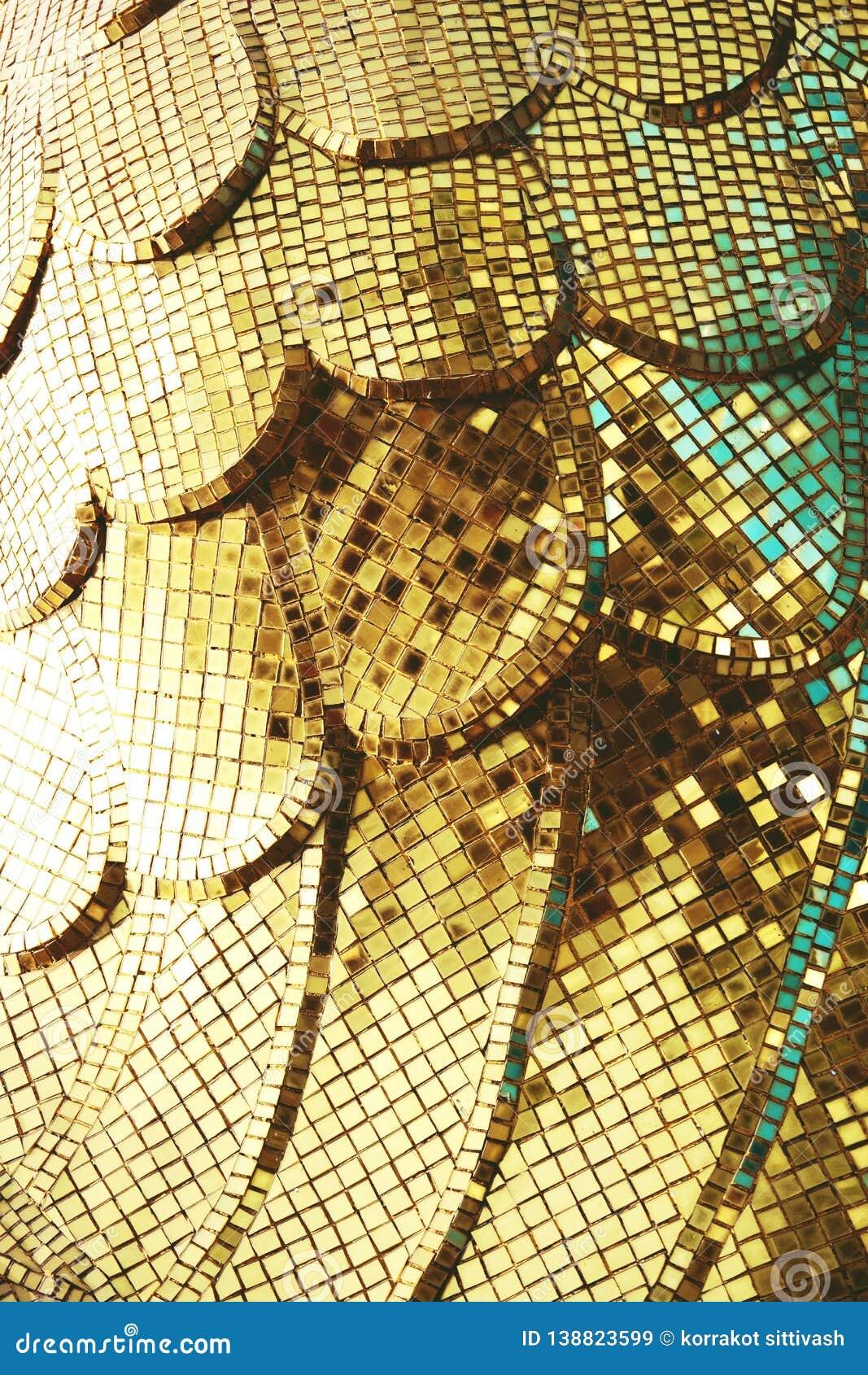 Плитки мозаики золота желтые квадратные для предпосылки текстуры