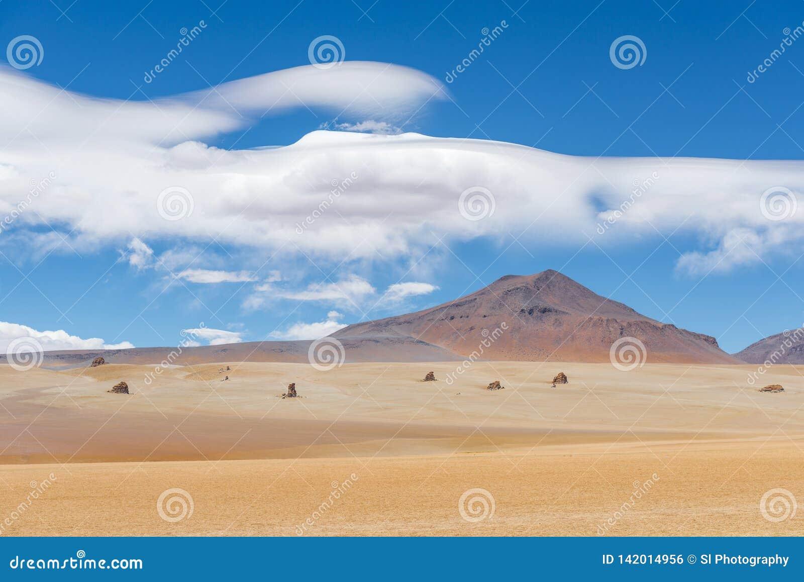 Пустыня Dali в Altiplano Боливии