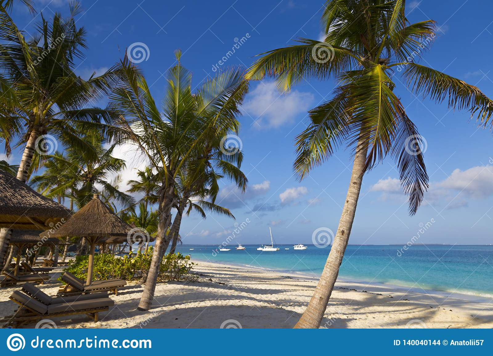Побережье океана острова Занзибара Деревня Kendwa Танзания вышесказанного