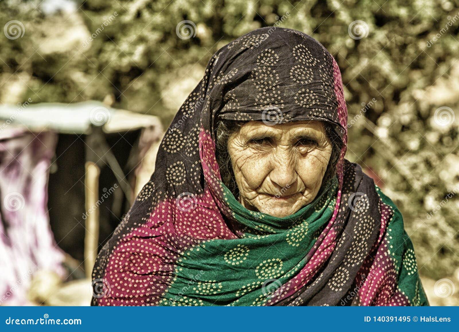 Портрет женщины бедуина