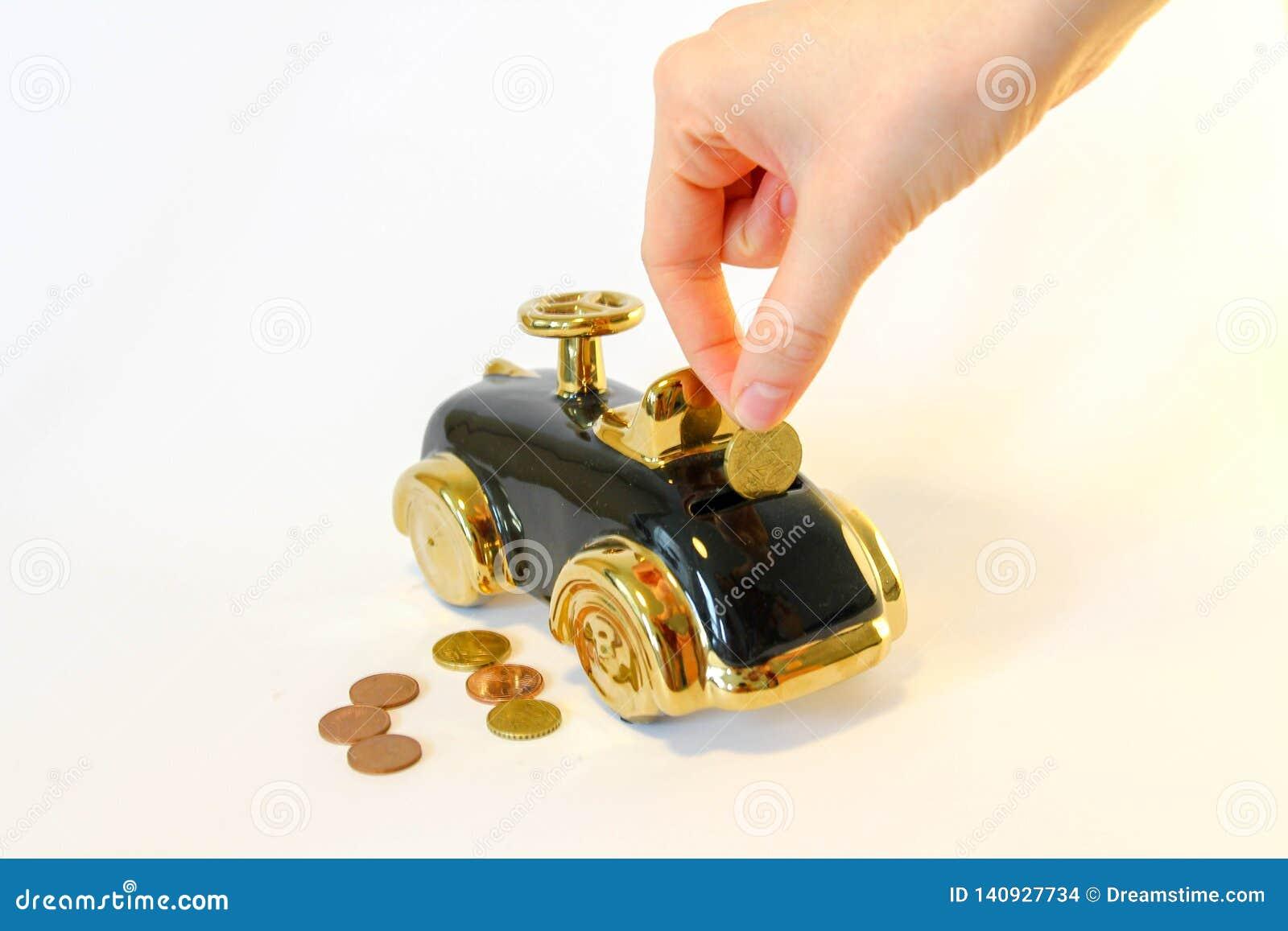 Деньги сбережений для нового автомобиля