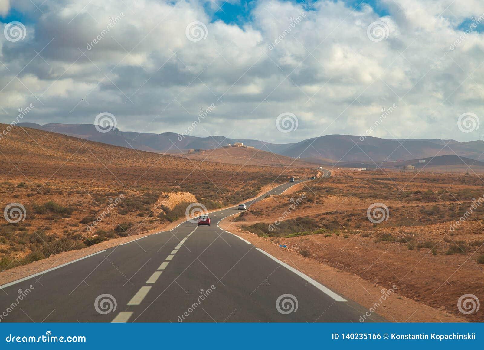 Длинный путь к bech Legzira, Sidi Ifni, Марокко