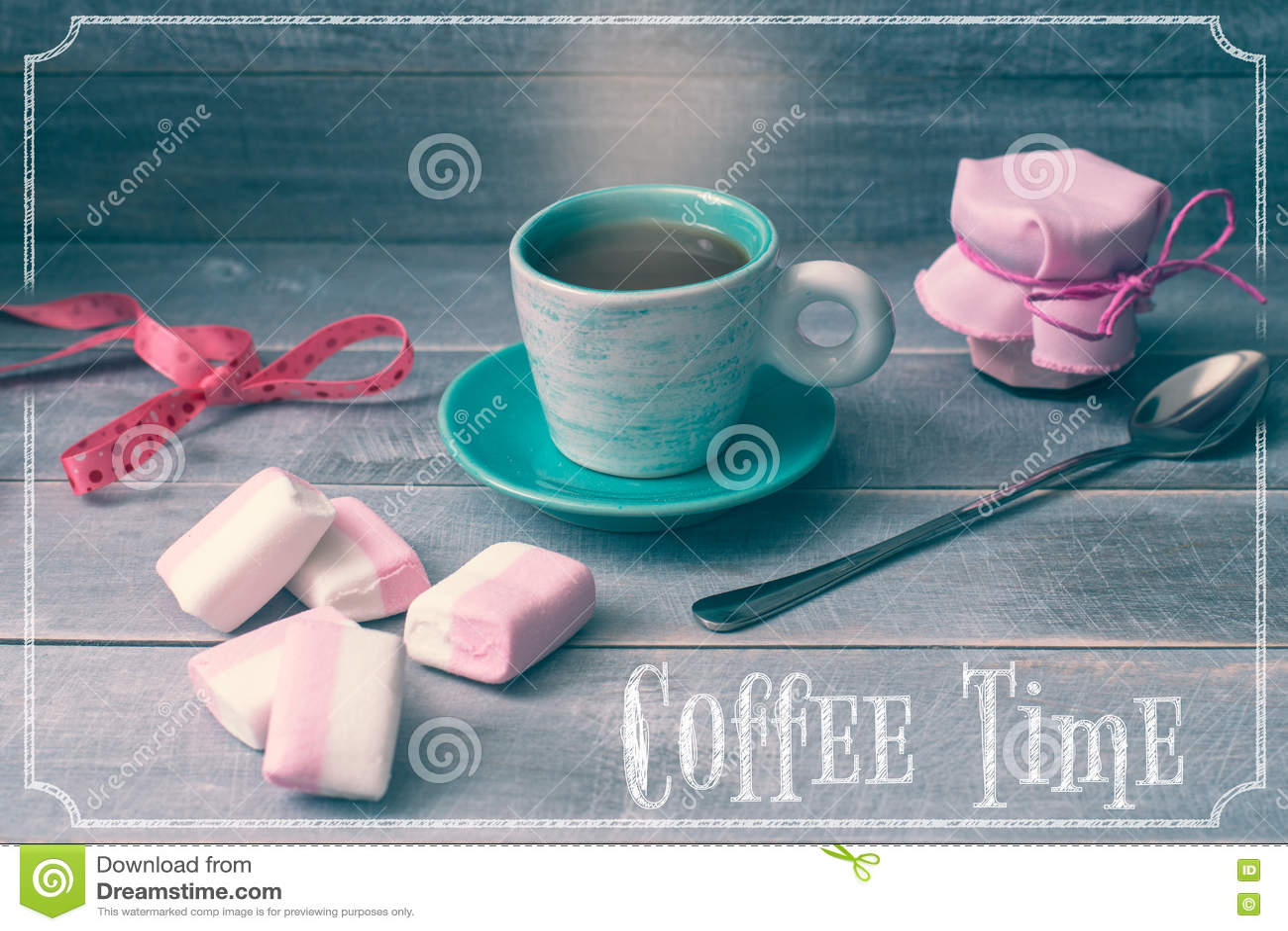 Ð-¡ upp av kaffe, en krus av driftstopp och marshmallower