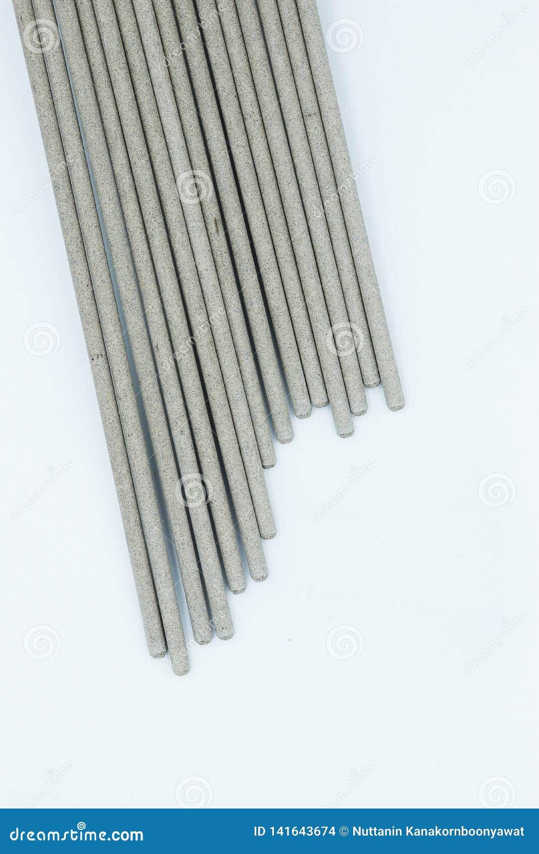 Электрод заварки на белой предпосылке