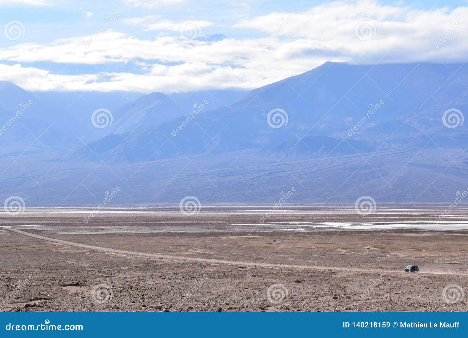 Управлять корабля самостоятельно в Death Valley