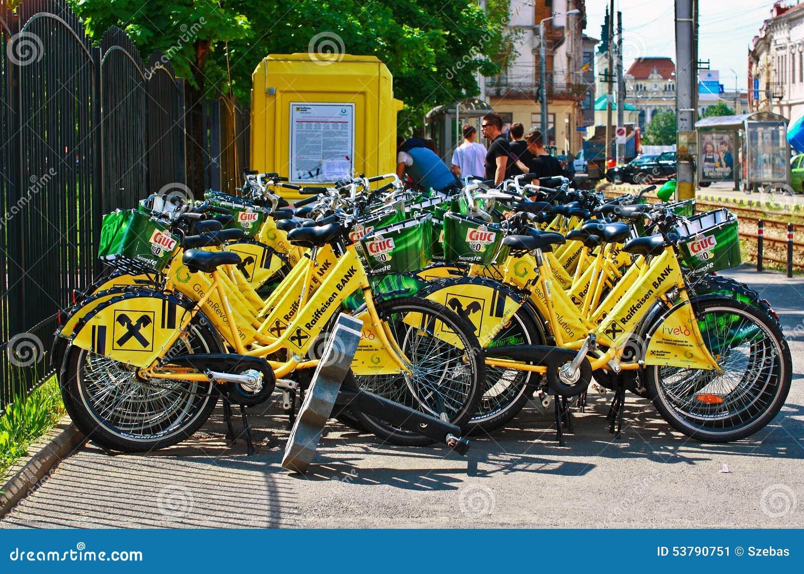 Żółci bicykle