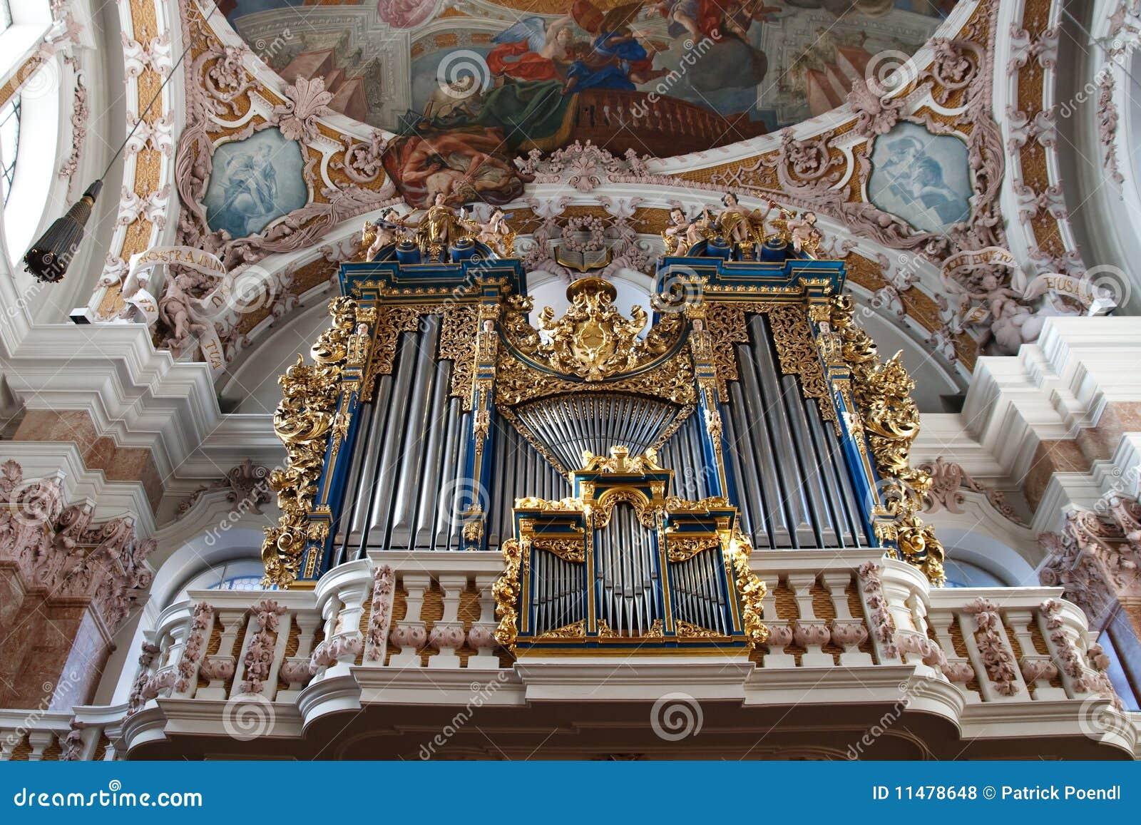 Órgão de tubulação barroco em Innsbruck, Áustria