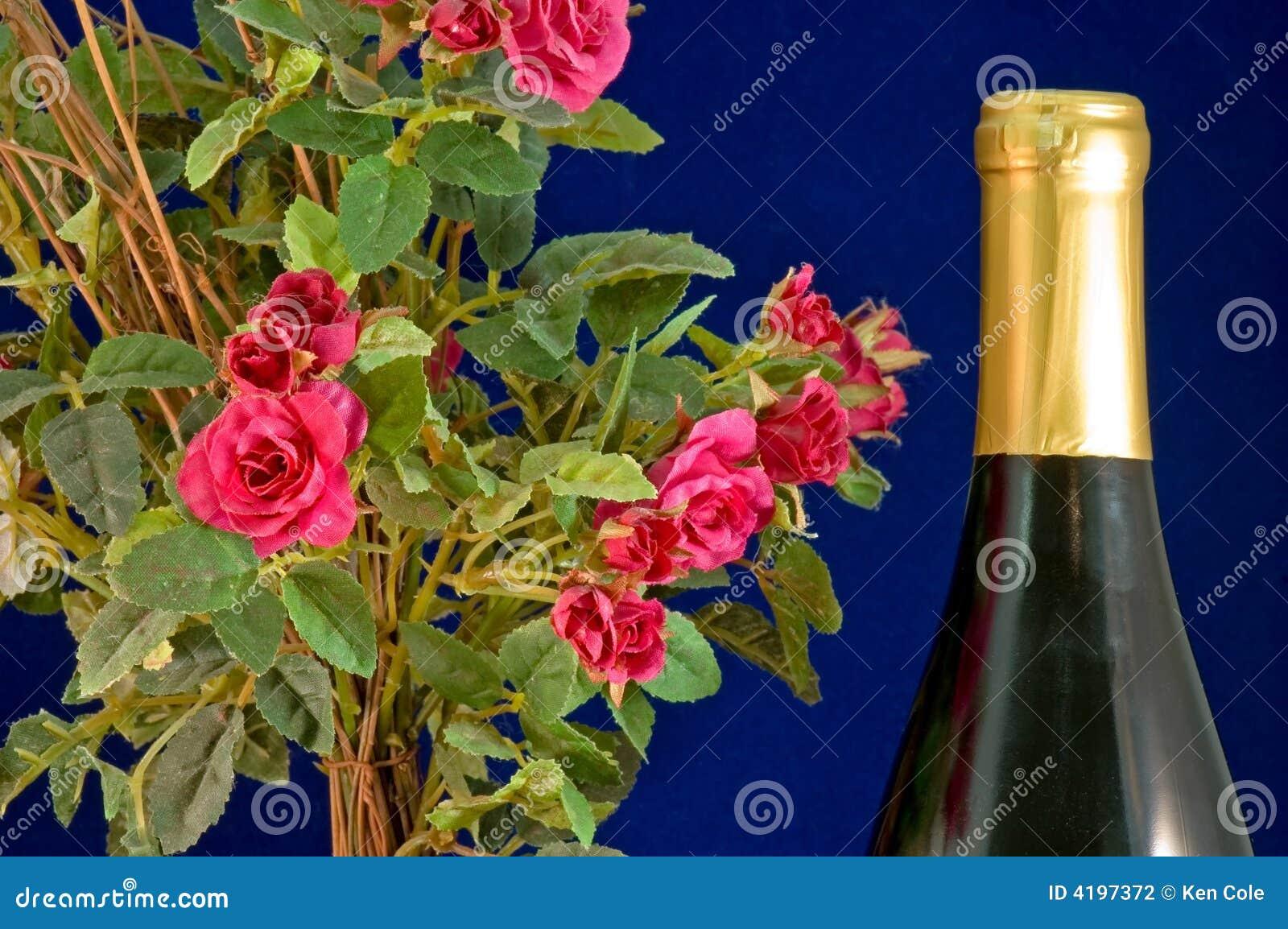 十字绣蓝瓶玫瑰