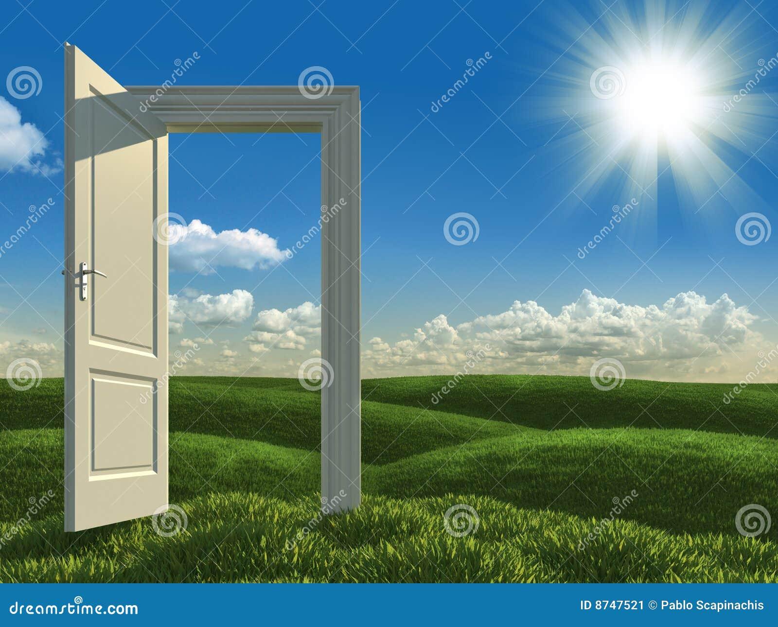 Tür Zu Tür Öffnen Sie Weiße Tür Zu Den Wiesen Stockbild   Bild: 8747521