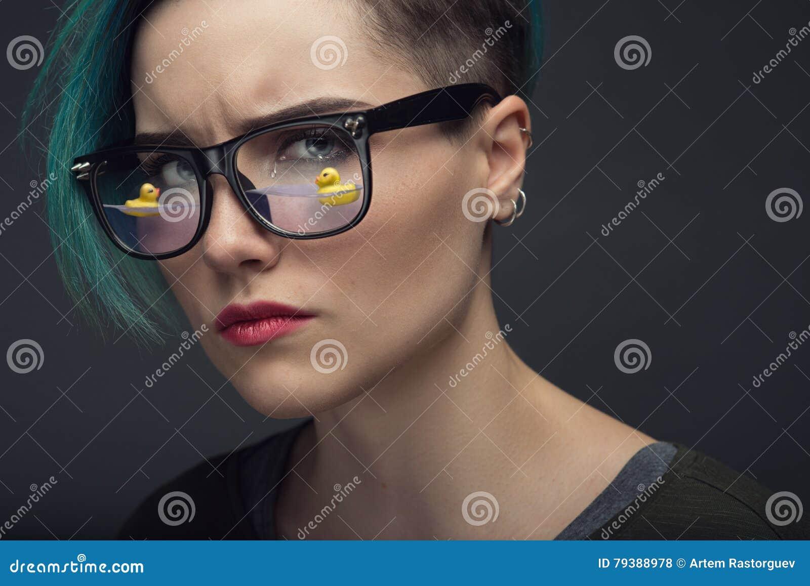 Ögon mycket av revabegreppet