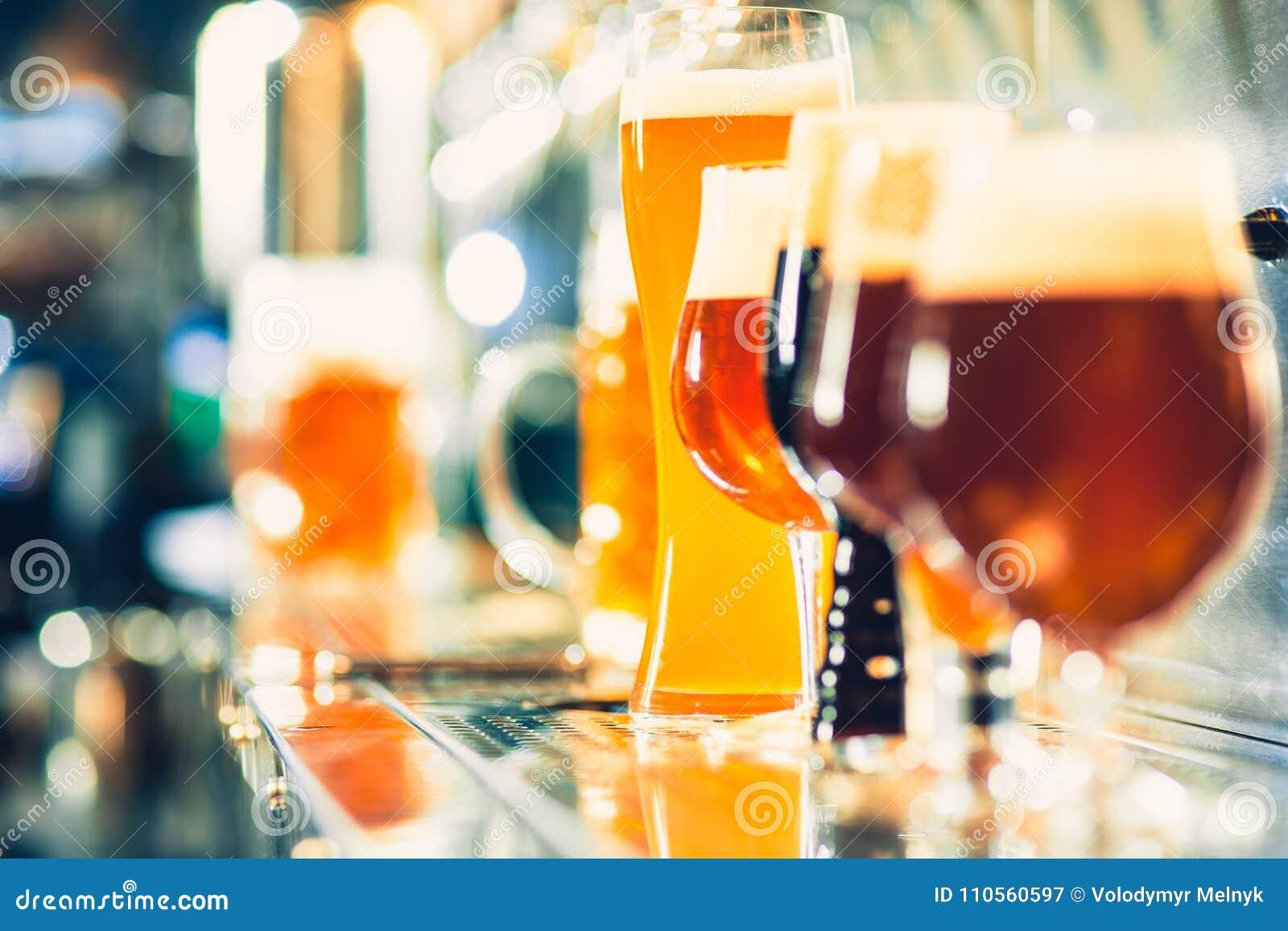 Ölklapp i en bar