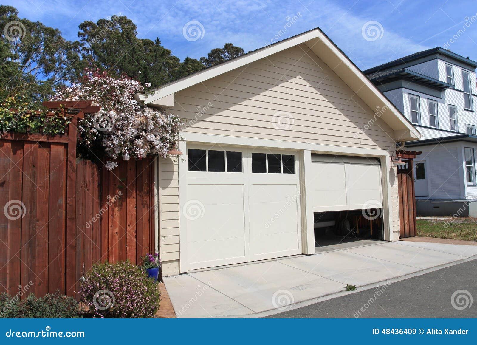 Öppna garagedörren