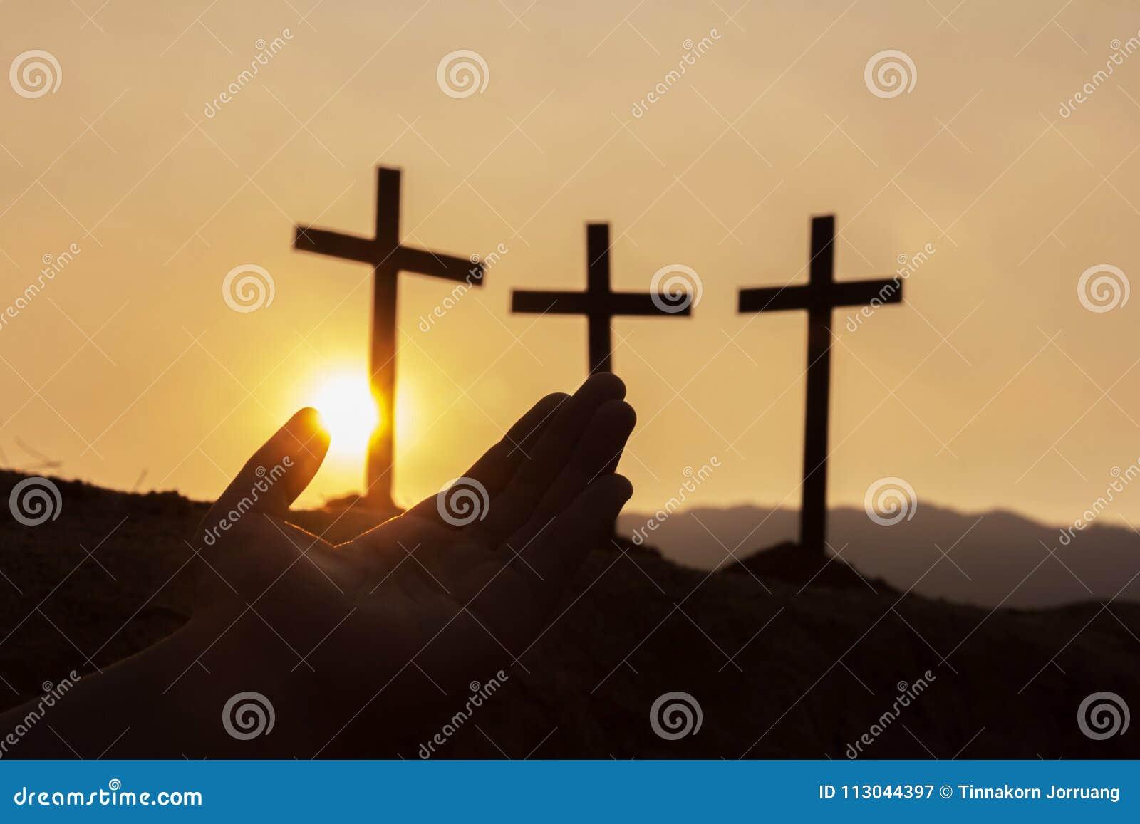 Öppna mänskliga händer gömma i handflatan upp dyrkan , Begrepp för kristen,