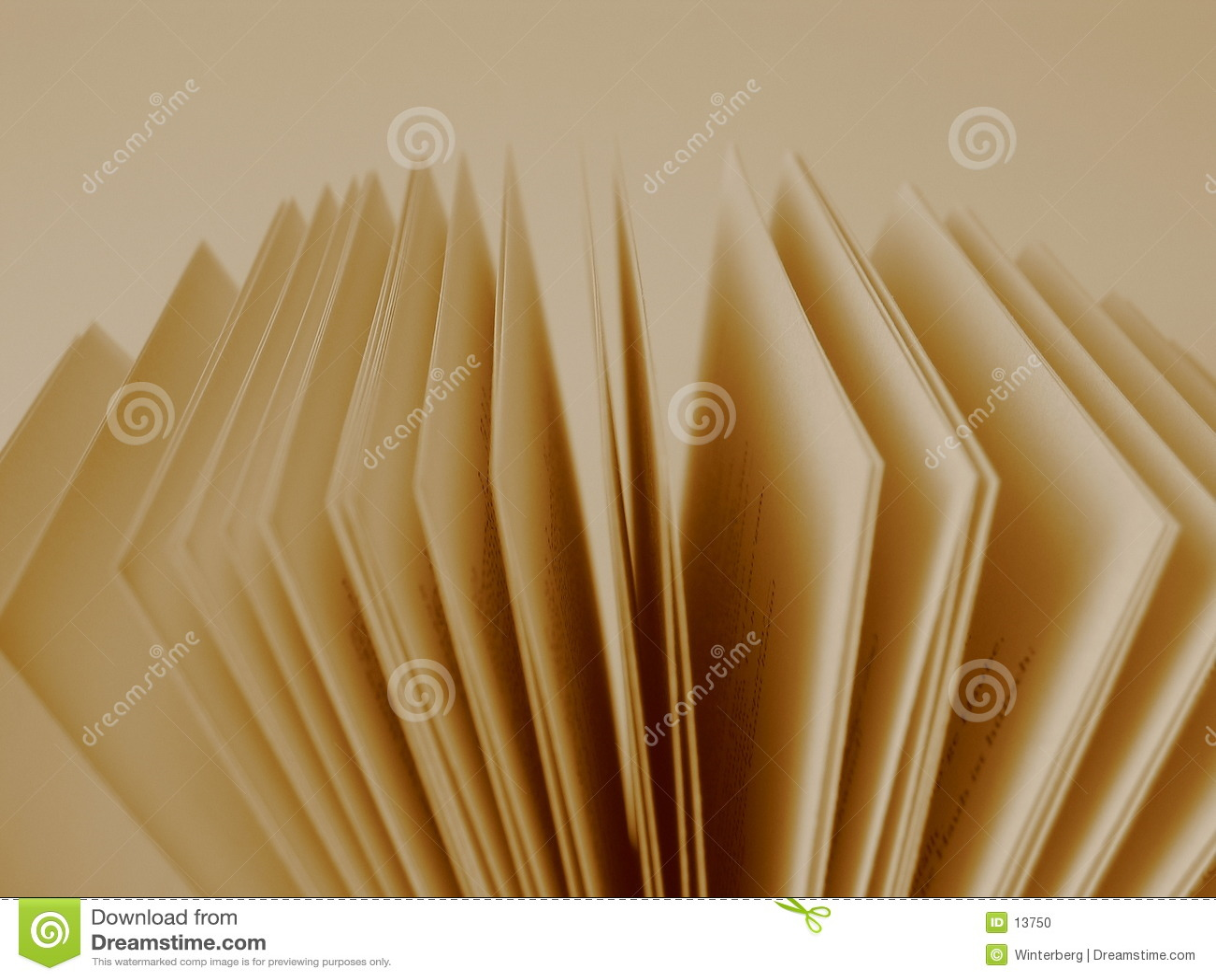 öppna sidor för bok