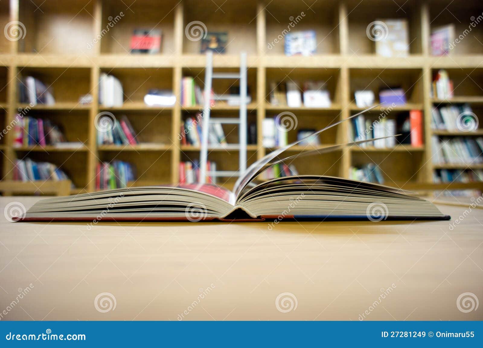 Öppnade boken