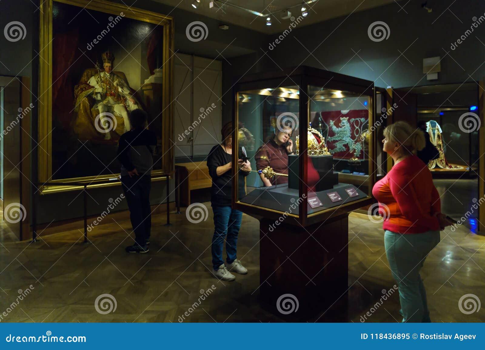 Österrikiska kronajuvlar - imperialistisk krona, Orb och Sceptre, Wien