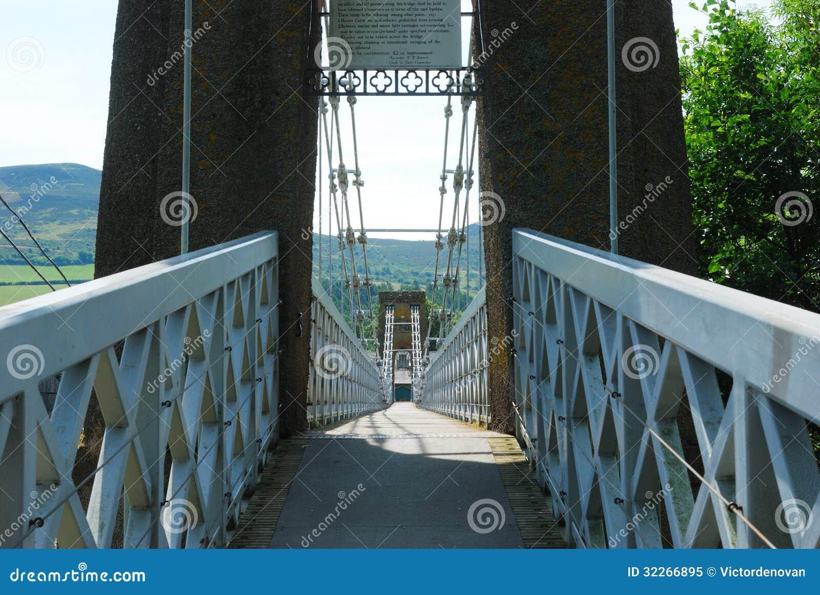 Över den chain bron på melrosen