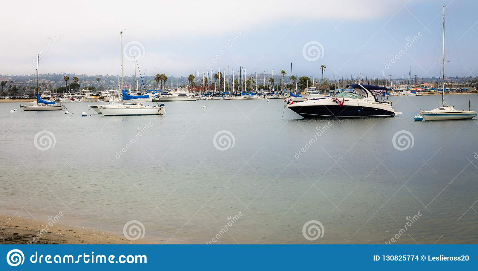 Över vattnet och till ön med fartyg