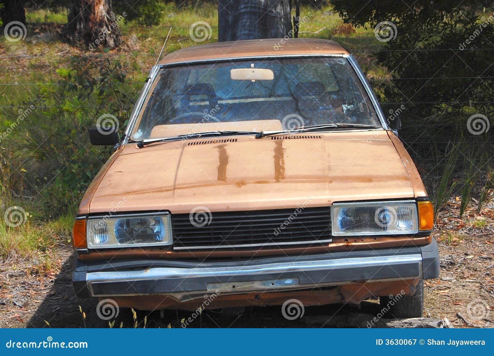 övergiven bil