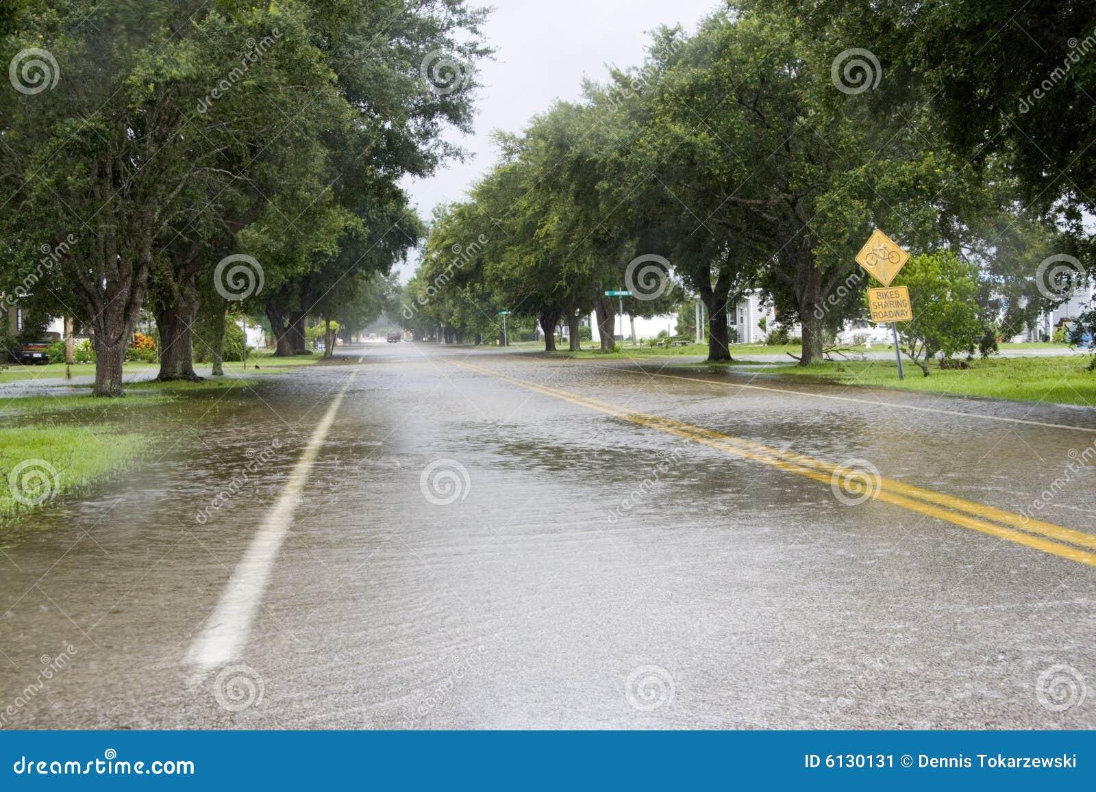 översvämmad körbana