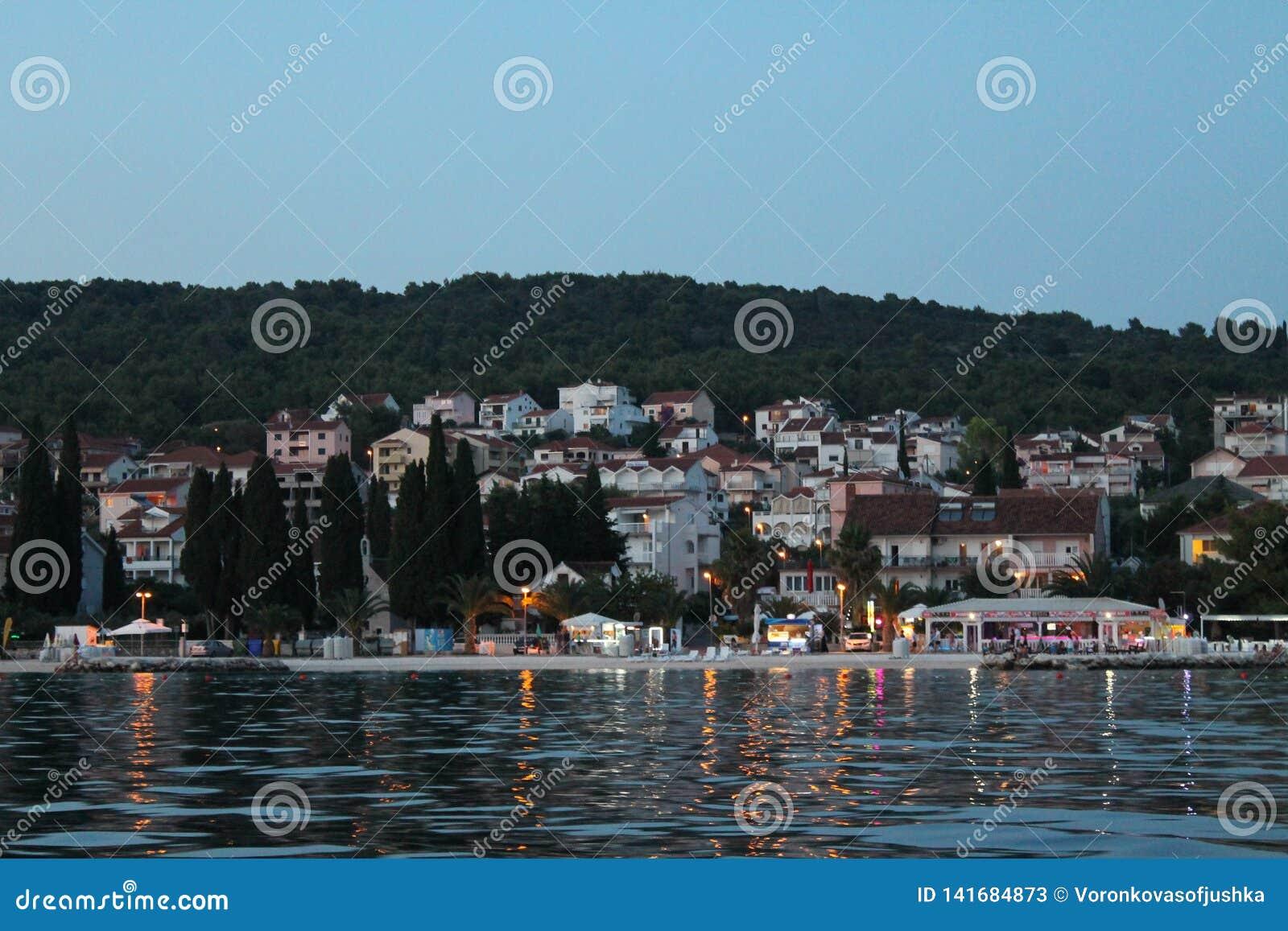 Última tarde en el balneario en la isla de Ciovo Croacia