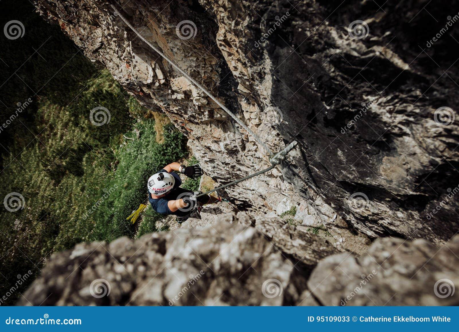 Über Ferrata, das in Österreich klettert