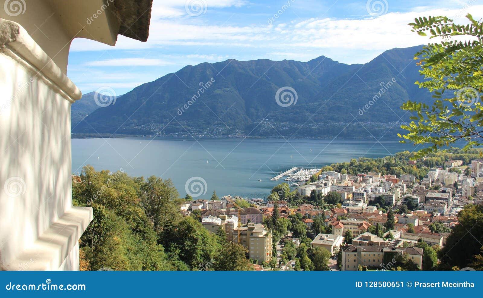Über Locarno See-und Stadt-Ansicht