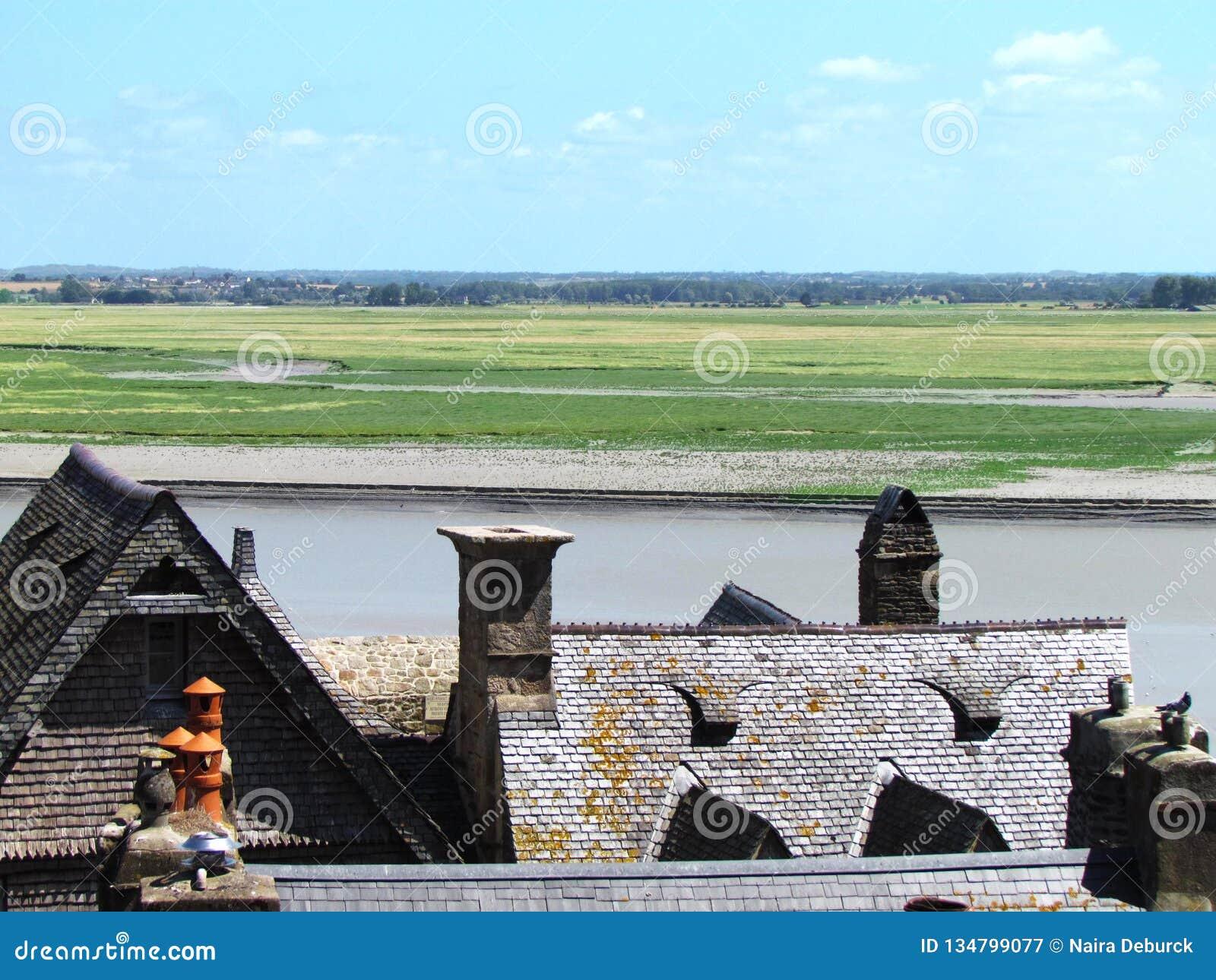 Überraschende Ansicht von Abtei Saint Michel Französische Architektur, forteress auf Insel
