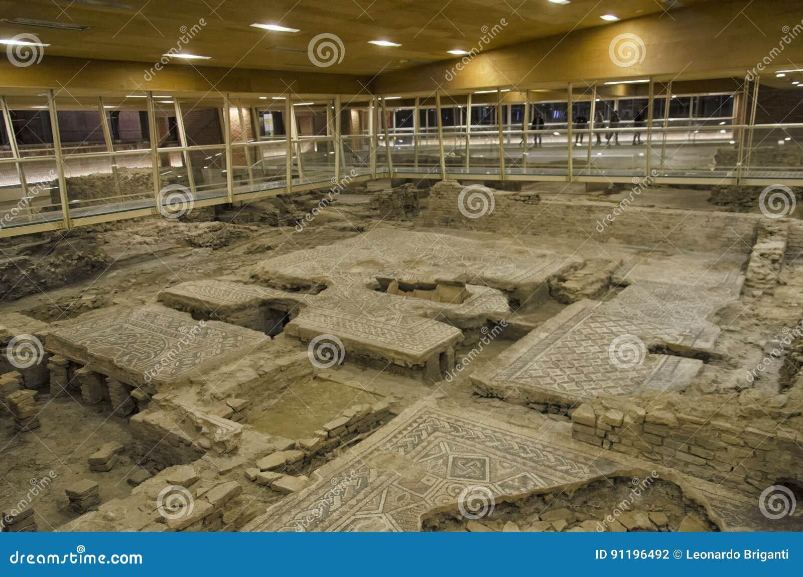 Überreste von Mosaiken