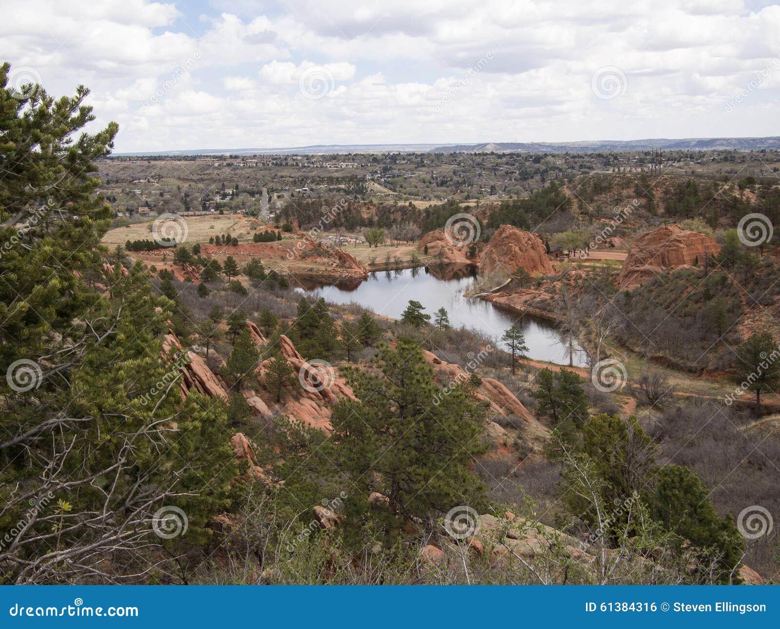 Übersehen Sie vom roten Felsen-Schlucht-offenen Raum in Colorado Springs