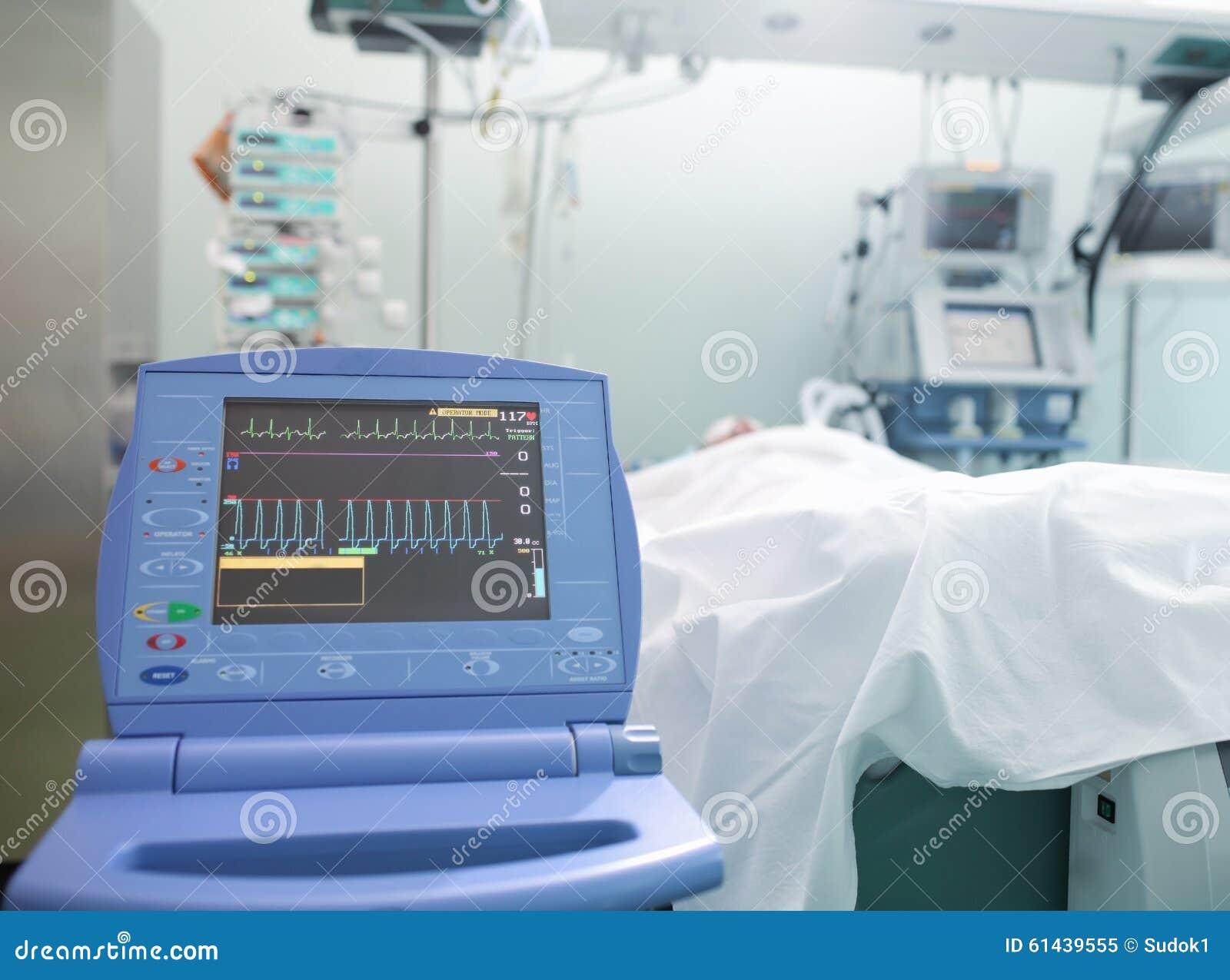 Überwachung Des Unbewussten Patienten Der Herzfunktion Stockbild ...