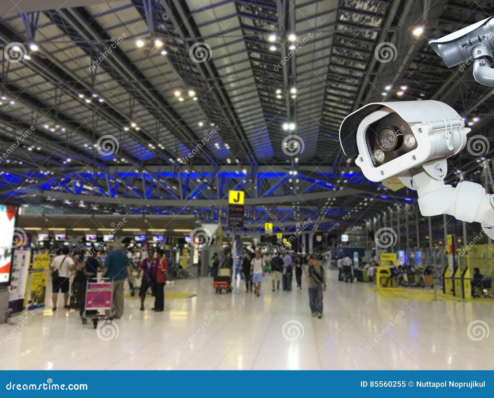 Überwachungskamera oder Überwachung, die im Lufthafen funktionieren