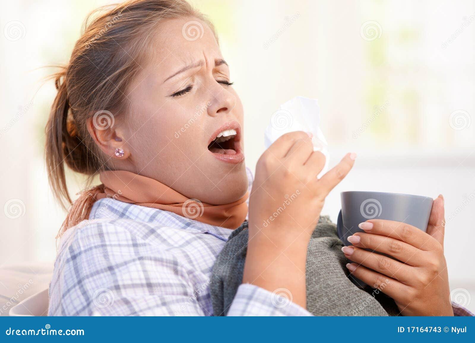 łóżkowa żeńska grypa ma target3195_0_ kichnięcia potomstwa