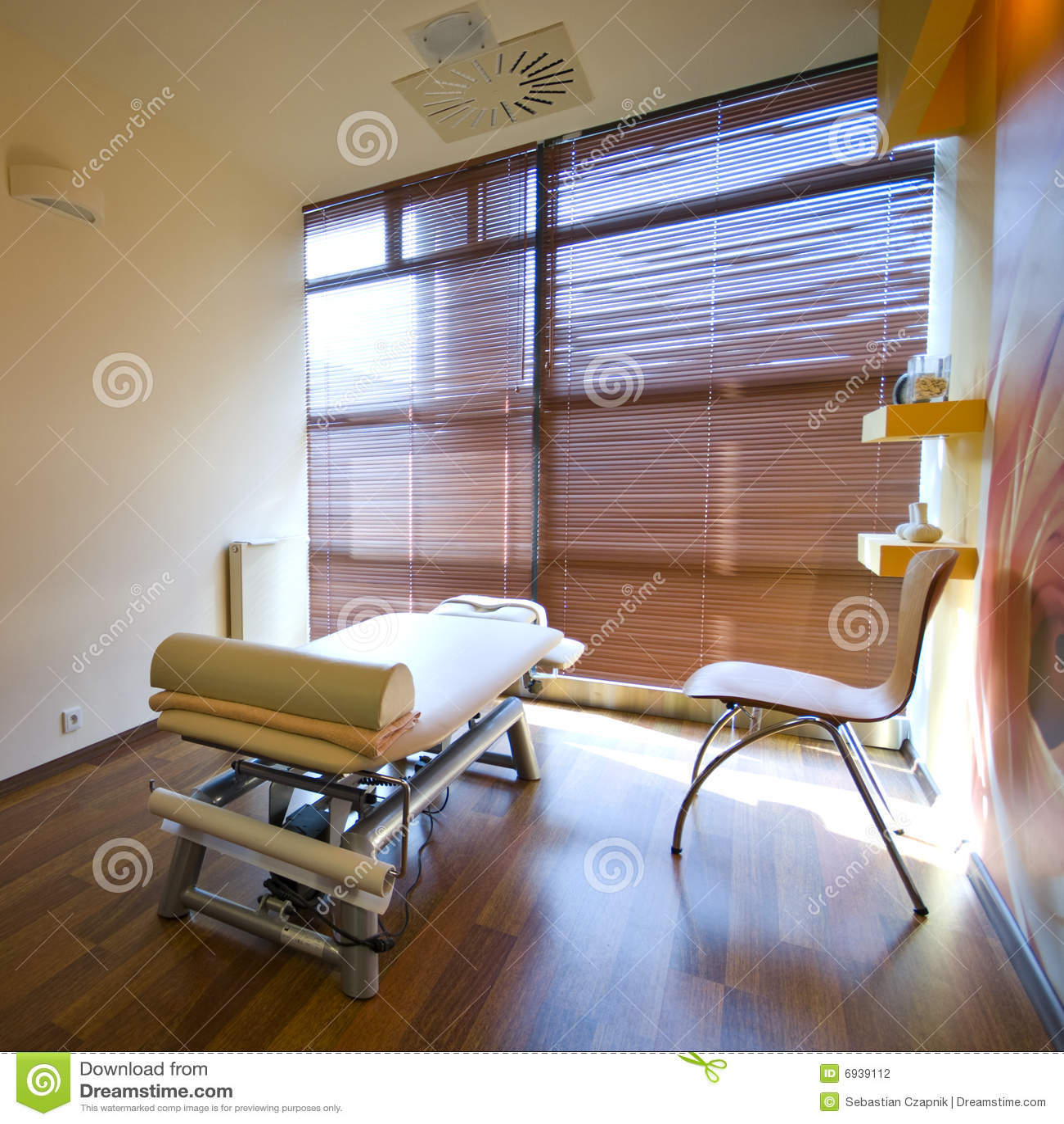 łóżkowy masażu pokoju zdrój
