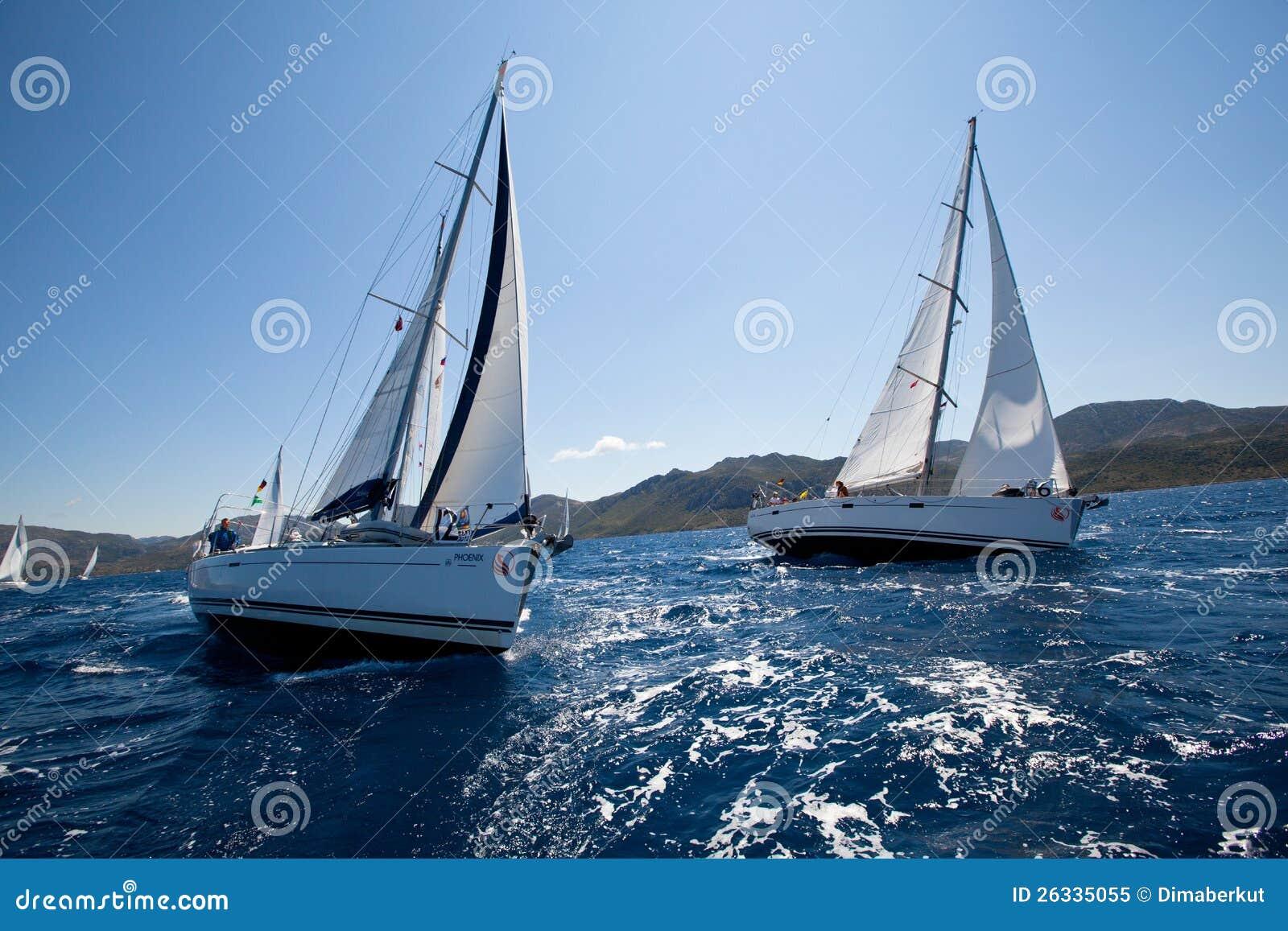 Łódź Konkurenci Podczas żeglowania regatta