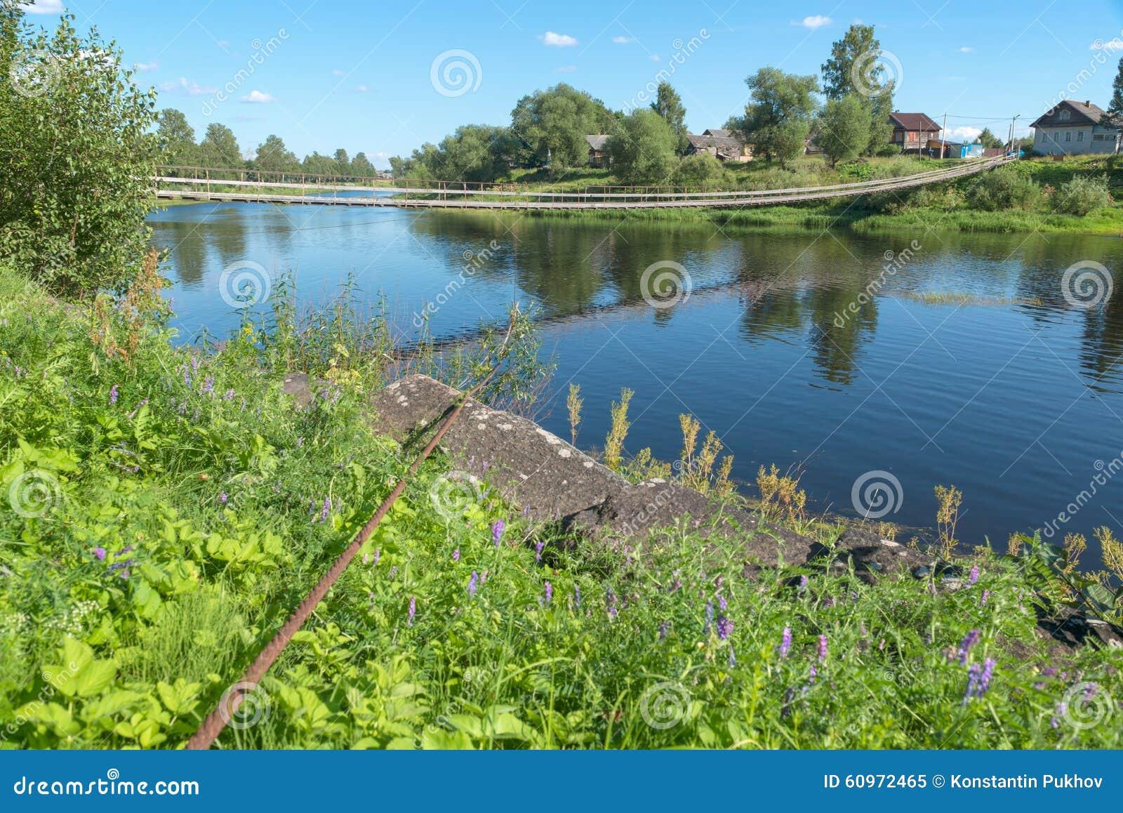 łódź pod most dni zawieszenia Września ładną wodą