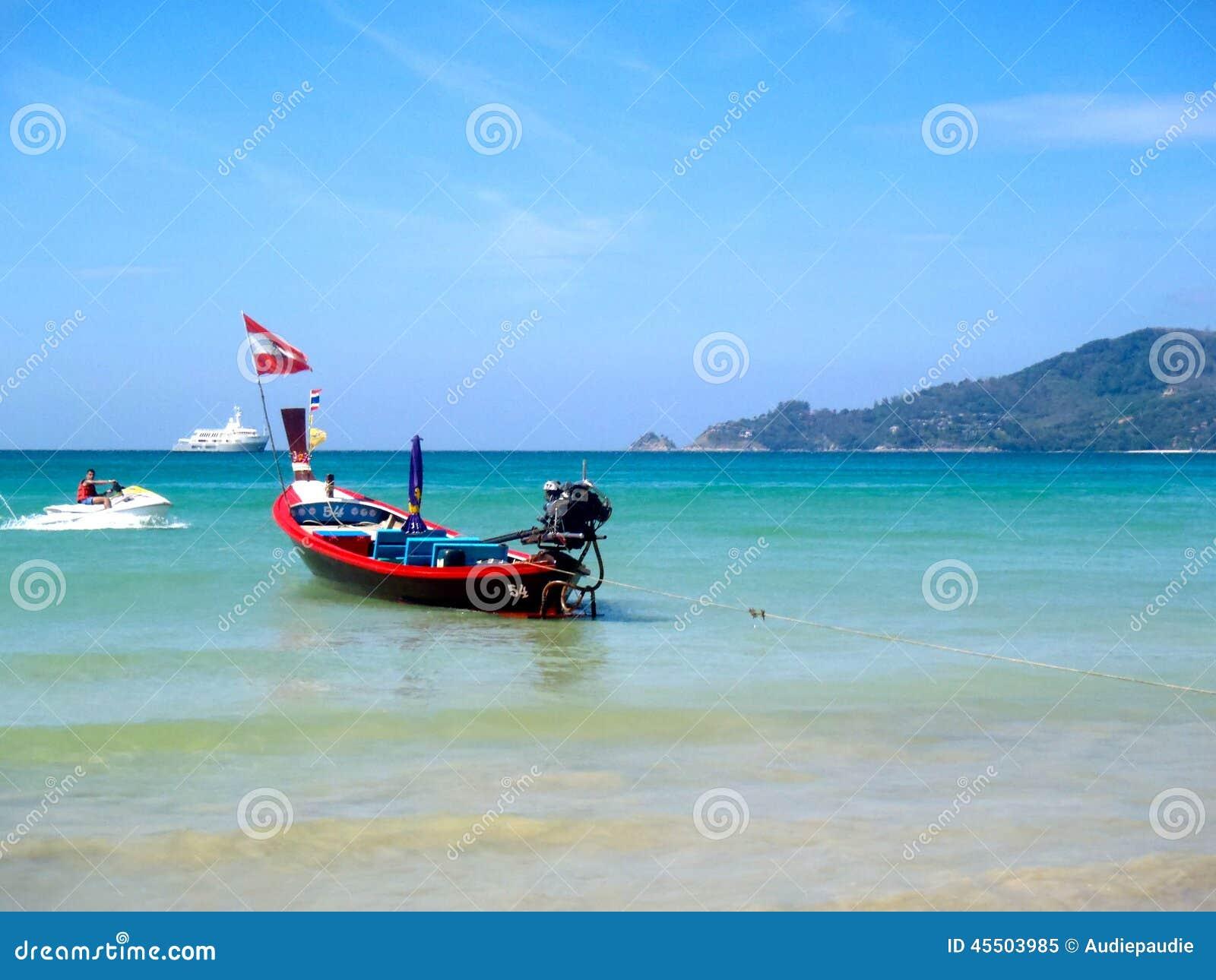 łódkowaty długi ogon