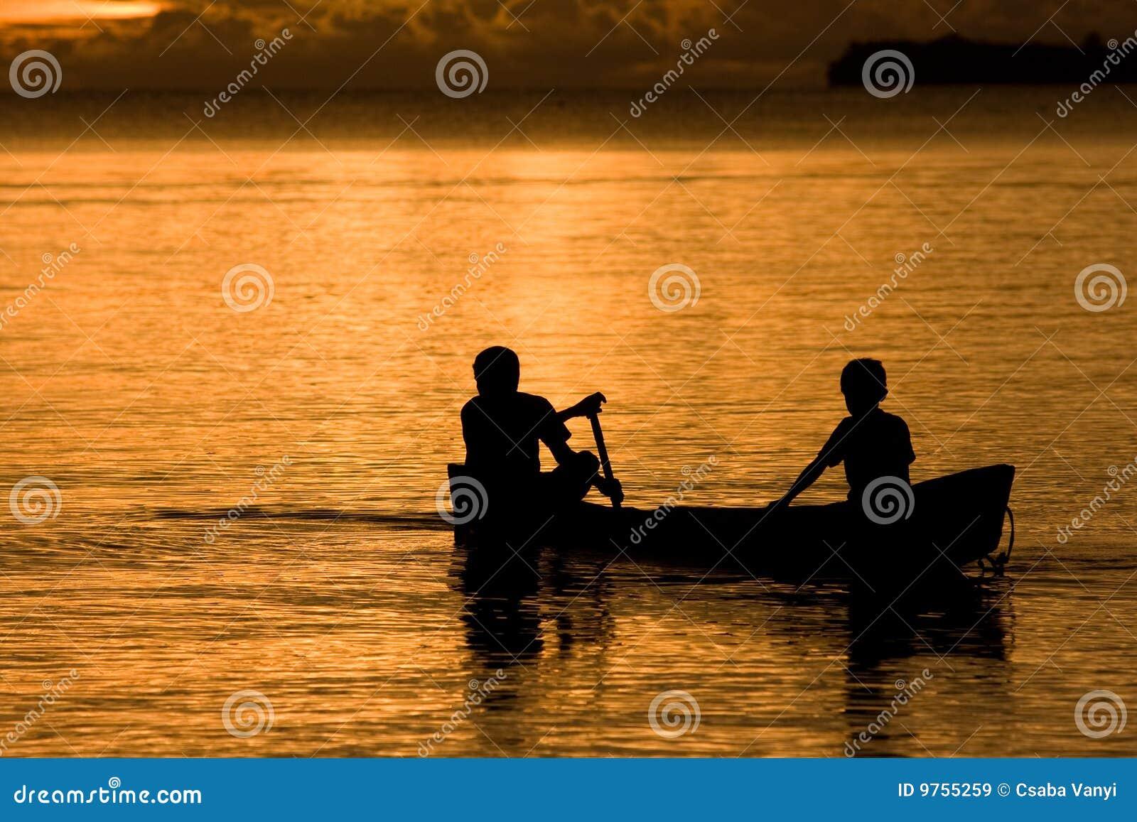 łódkowaty półmrok