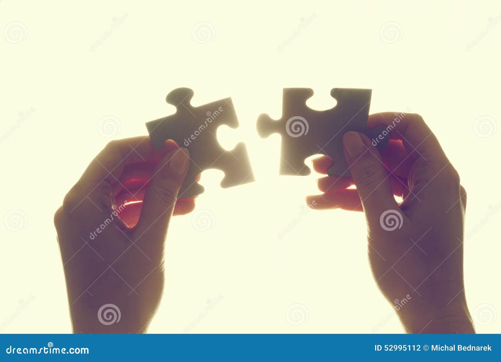 Łączyć dwa kawałka wyrzynarki łamigłówka Rozwiązanie, biznes
