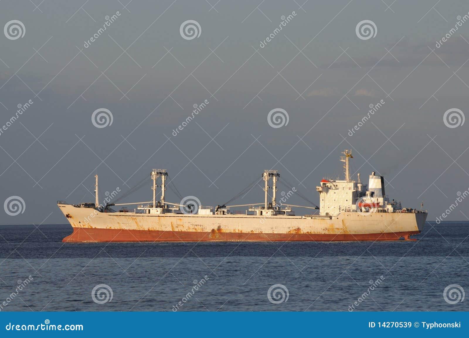 ładunku statek
