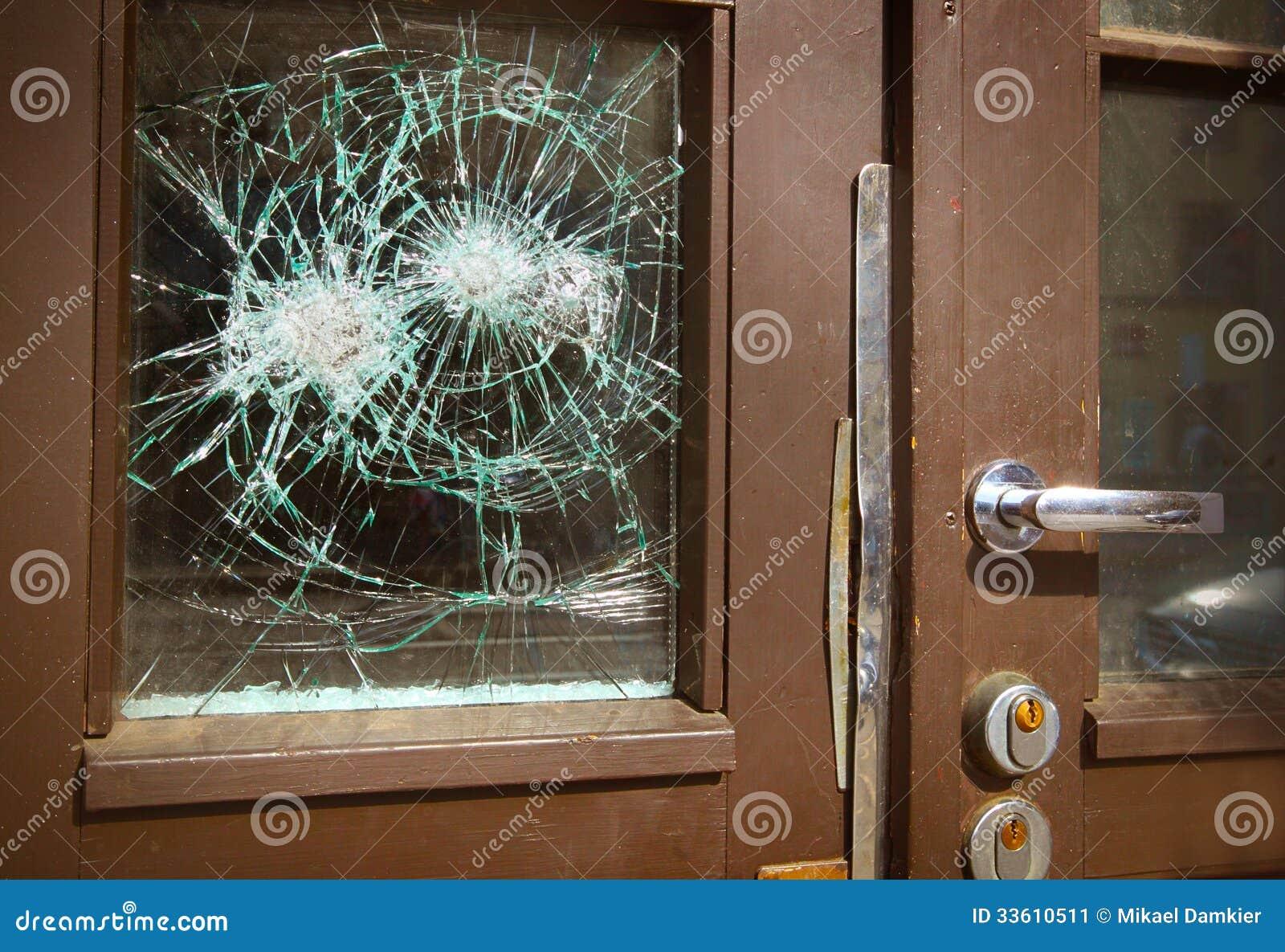 Łamany okno na drzwi
