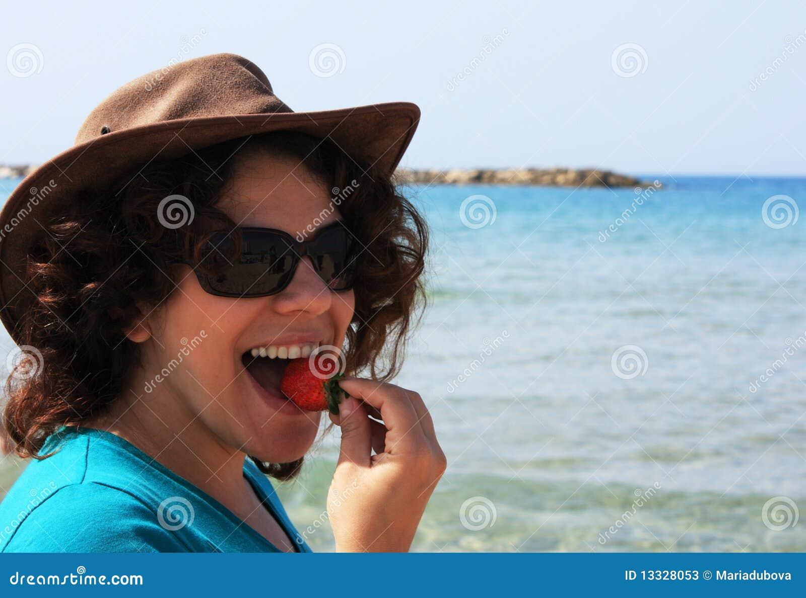 łasowania dziewczyny truskawki