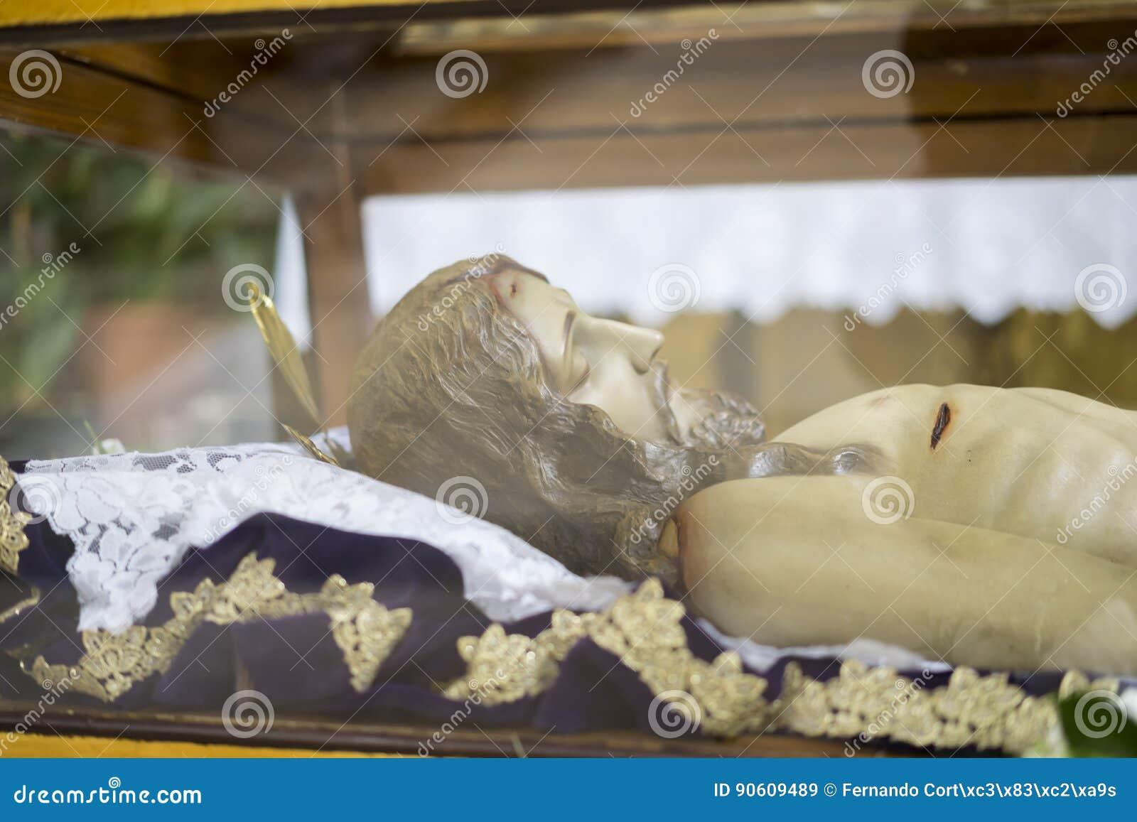 Łgarskiego jezus chrystus Święty tydzień w Hiszpania, wizerunki dziewicy i ponowny,