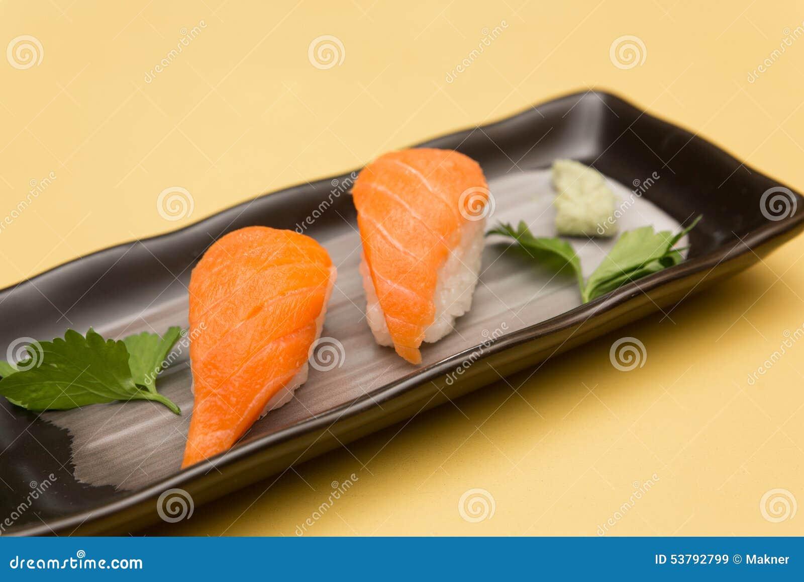 Łososiowy suszi, Japoński jedzenie