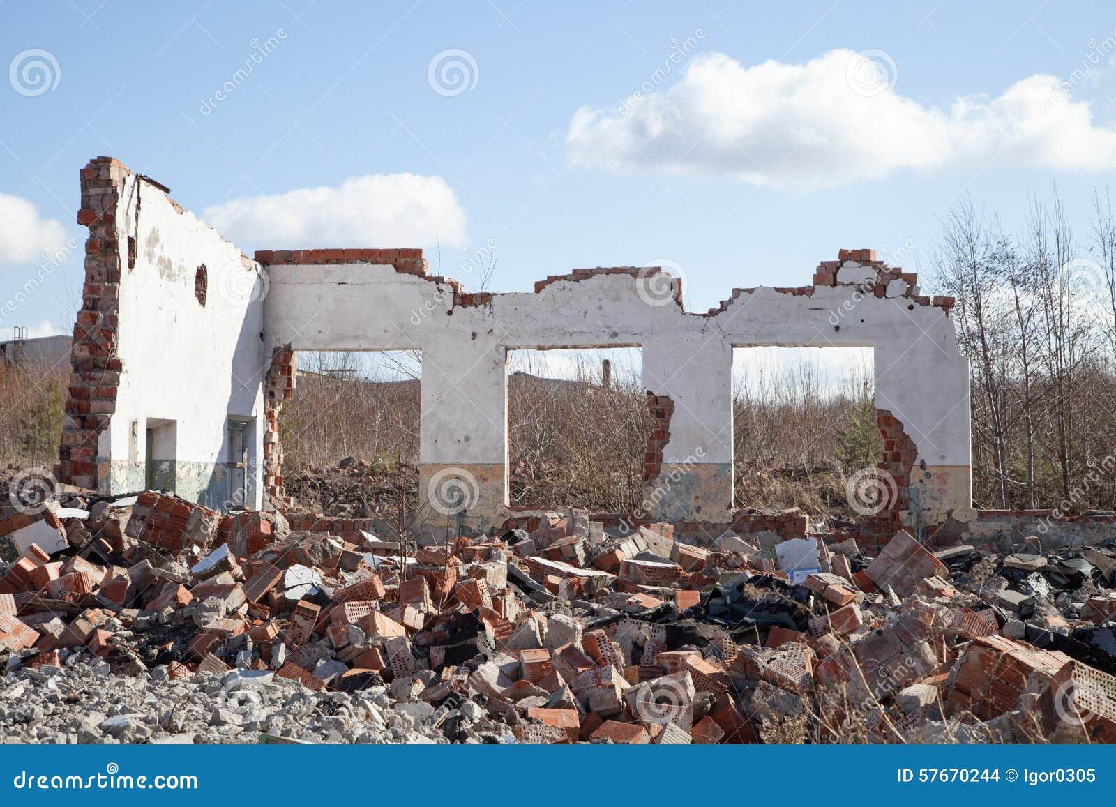 Ściana rujnujący dom