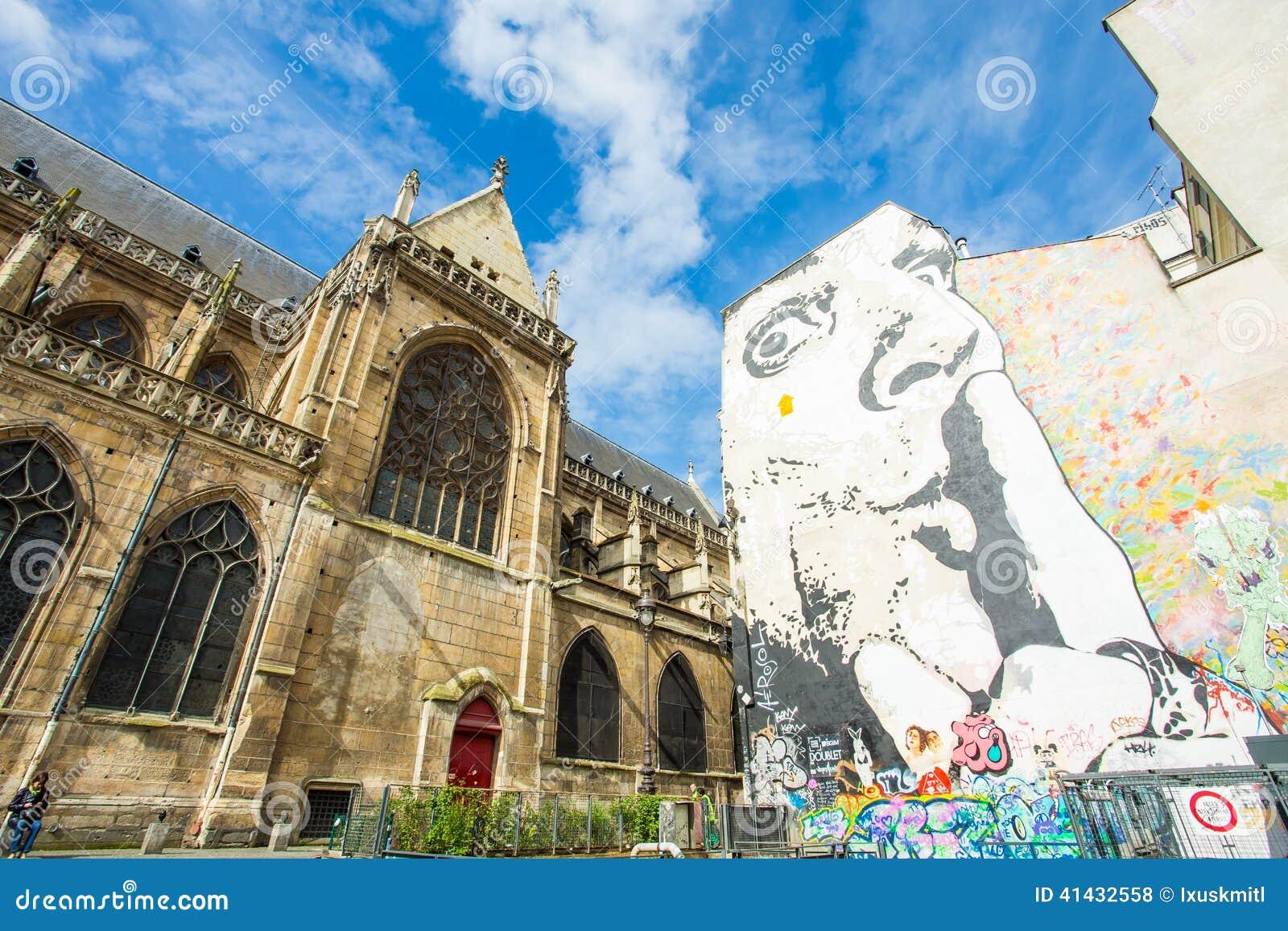Ściana wypełniająca z graffiti w Paryż