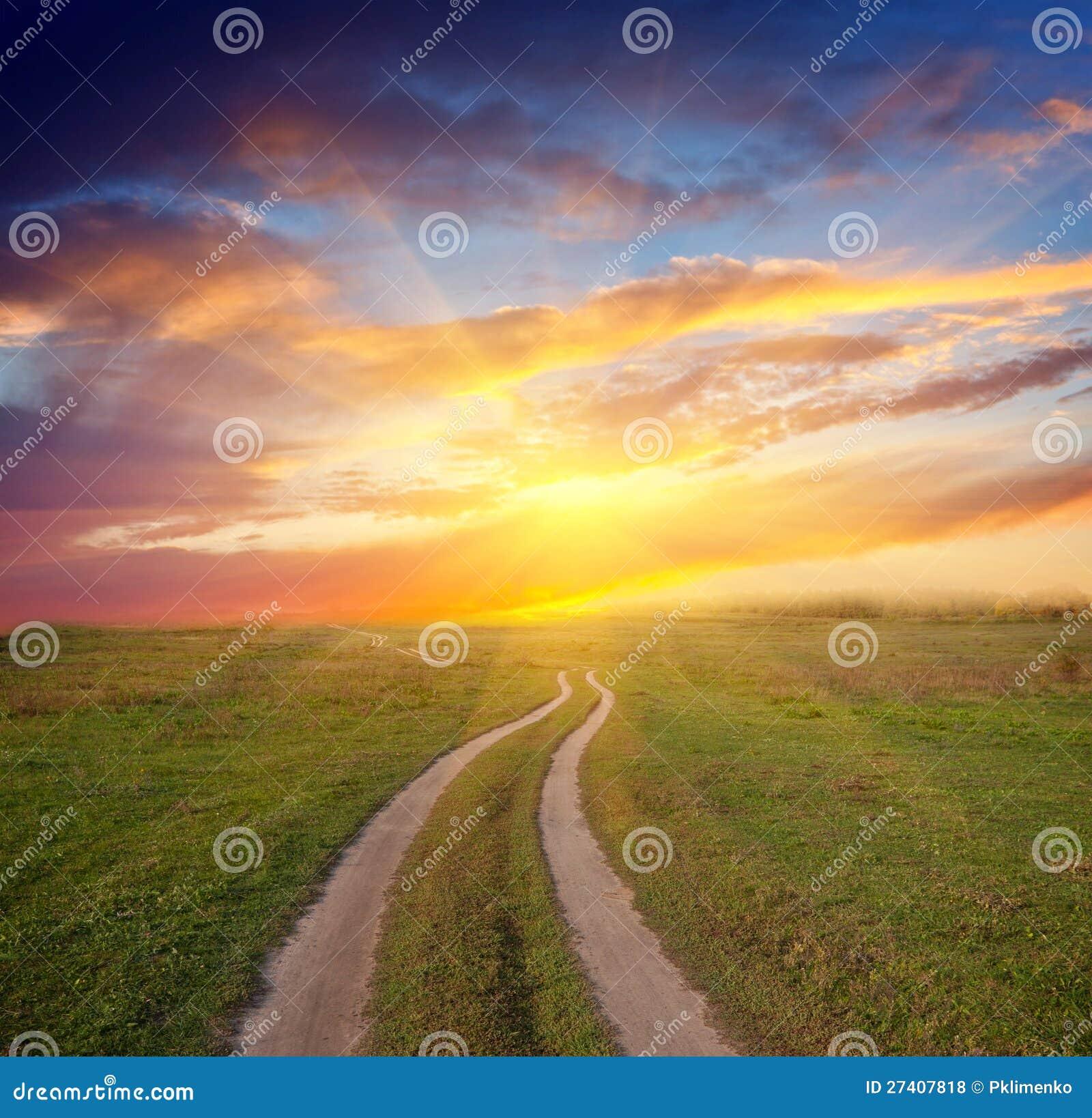 Ścieżka w stepie zmierzch
